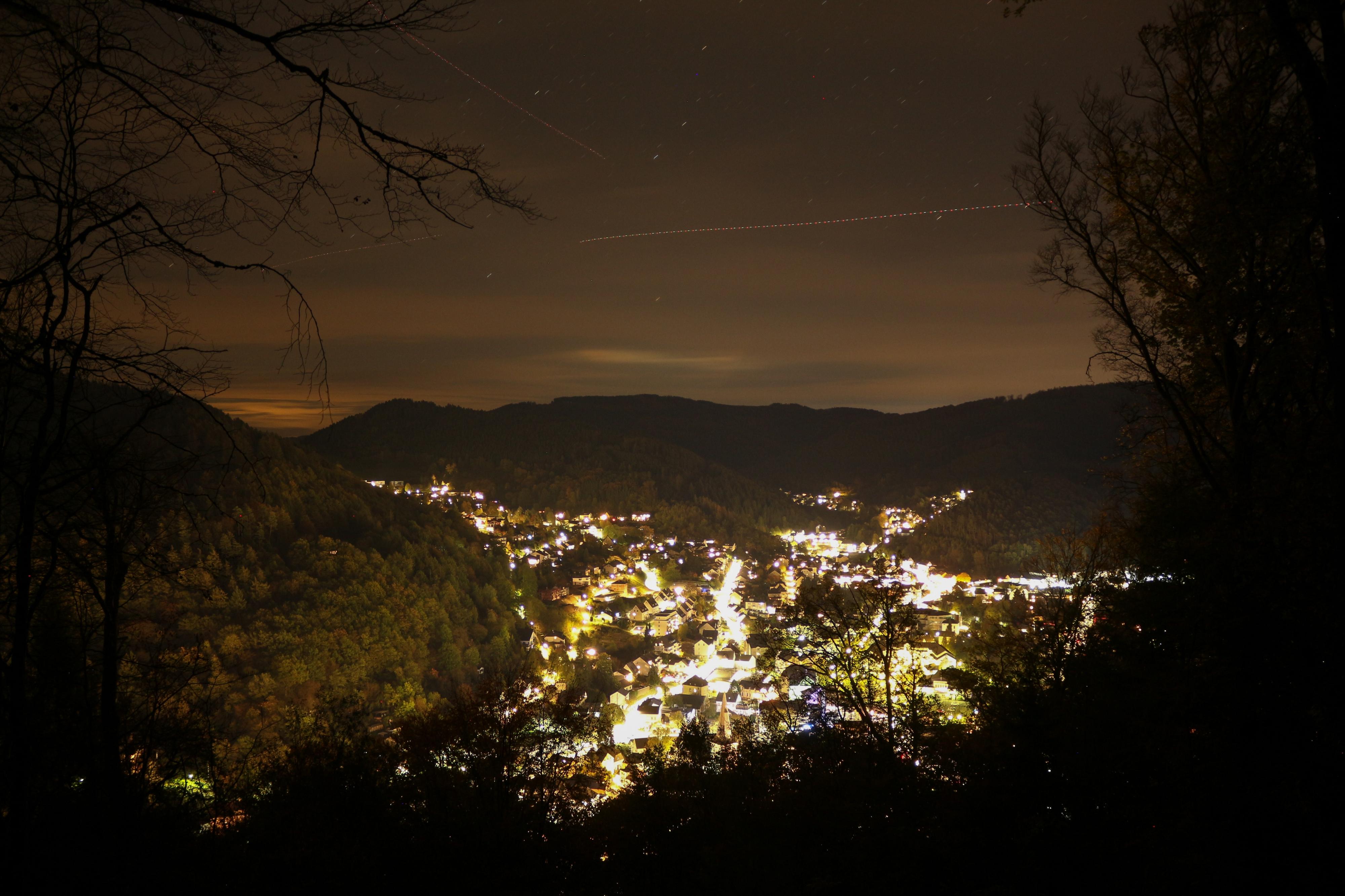 Wunderschöner blick über Plettenberg bei Nacht