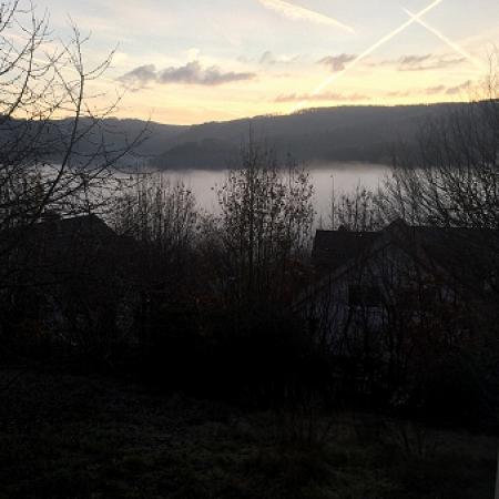 Morgenstimmung - Plettenberg im Nebel